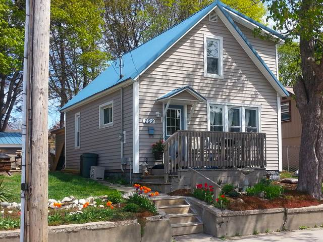 292 Sixth Avenue Avenue, Manistee, MI 49660 (MLS #20039018) :: Ginger Baxter Group