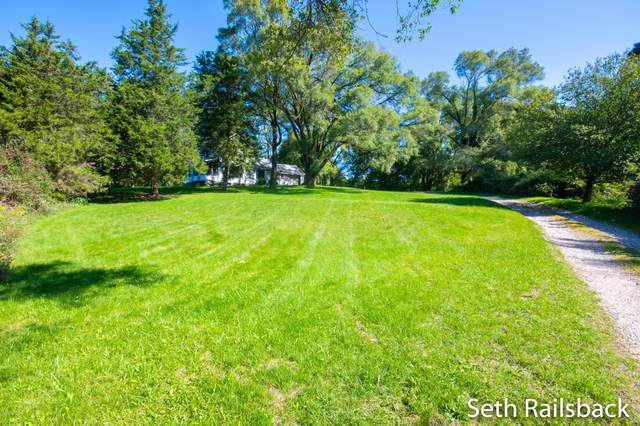 7674 Northland Drive NE, Rockford, MI 49341 (MLS #20039301) :: JH Realty Partners