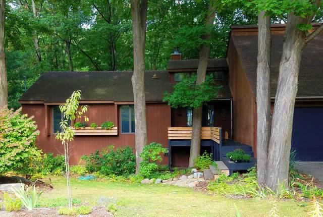 3935 Lakeridge Drive, Holland, MI 49424 (MLS #20040950) :: JH Realty Partners
