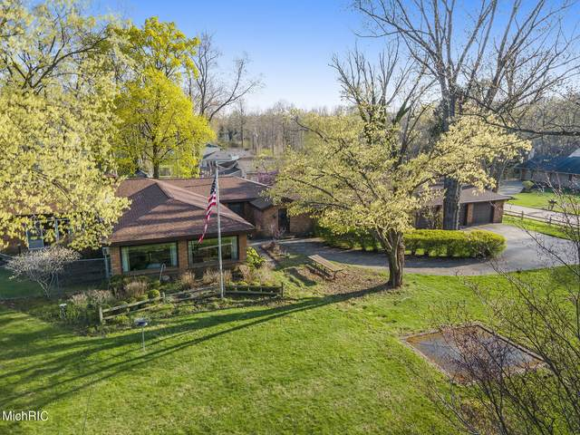 95 Pershing Avenue, South Haven, MI 49090 (MLS #21011905) :: Your Kzoo Agents