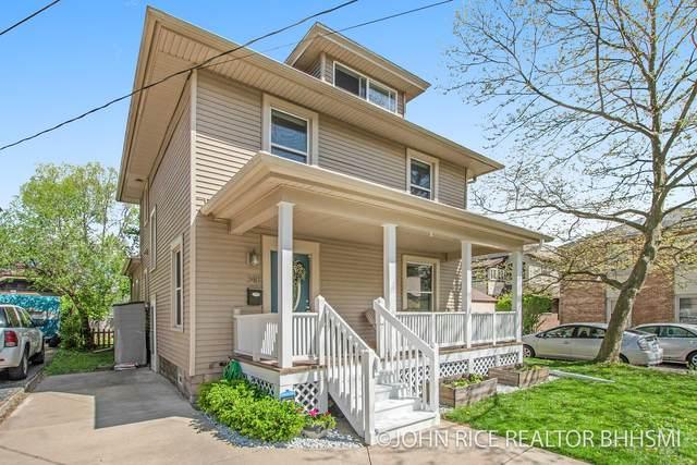 348 Gladstone Drive SE, East Grand Rapids, MI 49506 (MLS #21015920) :: Your Kzoo Agents