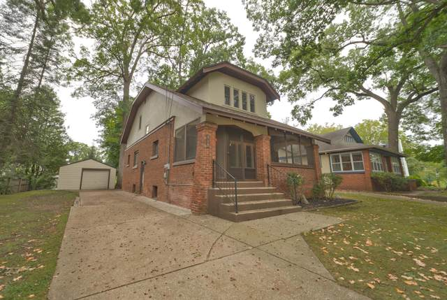 519 Greenwood Avenue SE, East Grand Rapids, MI 49506 (MLS #21107096) :: Deb Stevenson Group - Greenridge Realty