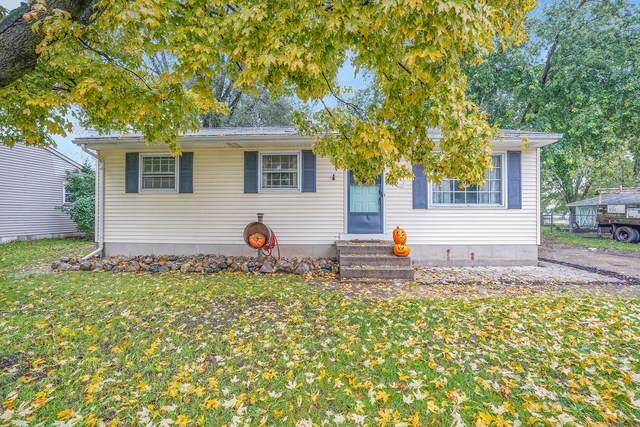 225 Donna Drive SE, Lowell, MI 49331 (MLS #21112192) :: The Hatfield Group