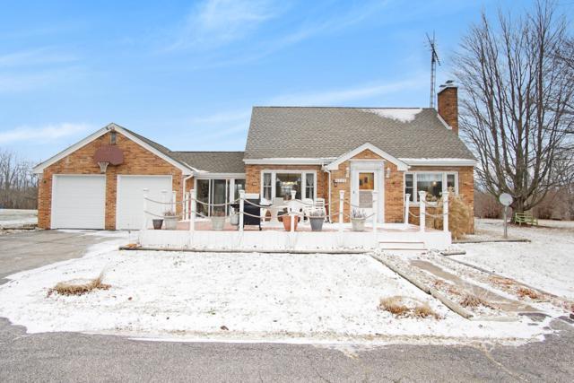 2125 Dayton Road, Galien, MI 49113 (MLS #19000734) :: Deb Stevenson Group - Greenridge Realty