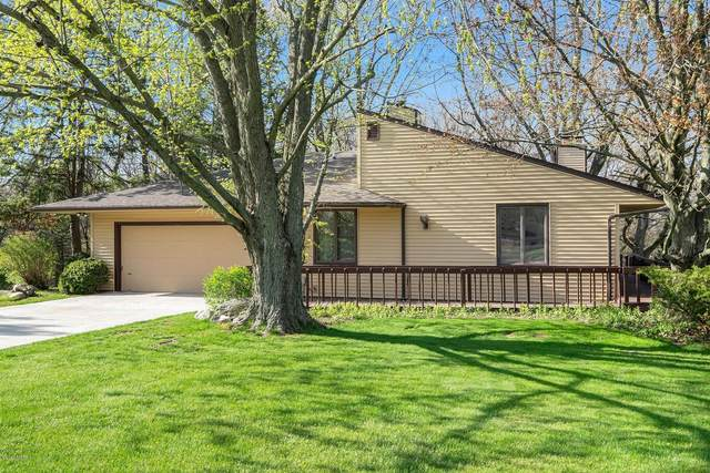 38 Clubhouse Court, Plainwell, MI 49080 (MLS #20015153) :: Keller Williams Realty | Kalamazoo Market Center