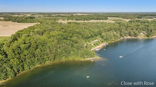 8101 Lincoln Lake Avenue NE, Belding, MI 48809 (MLS #20021543) :: Sold by Stevo Team | @Home Realty