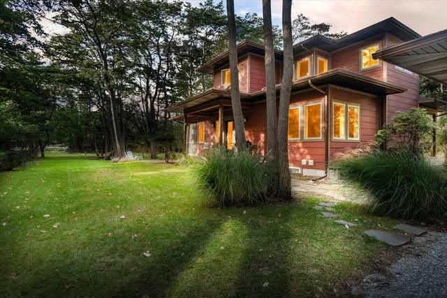 781 Manchester Drive, Saugatuck, MI 49453 (MLS #21110136) :: Sold by Stevo Team   @Home Realty