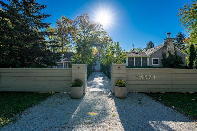 15561 Lakeshore Road, Union Pier, MI 49129 (MLS #21111327) :: Sold by Stevo Team   @Home Realty