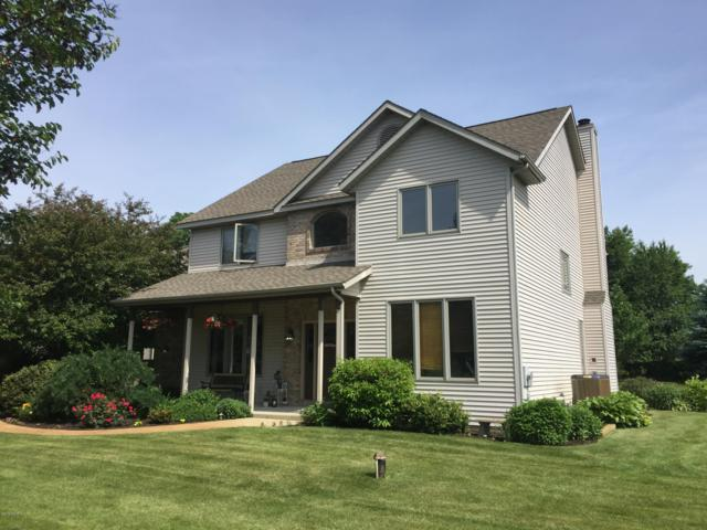 5756 Woodbrook, Schoolcraft, MI 49087 (MLS #19013141) :: Matt Mulder Home Selling Team