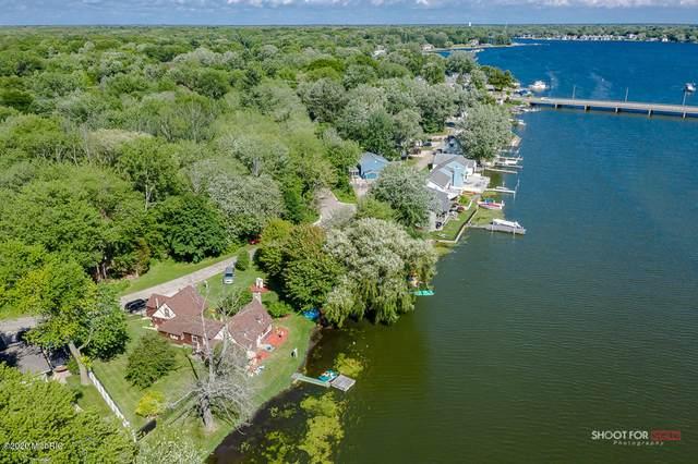 16950 Cecelia Lane, Spring Lake, MI 49456 (MLS #20011883) :: Keller Williams Realty | Kalamazoo Market Center
