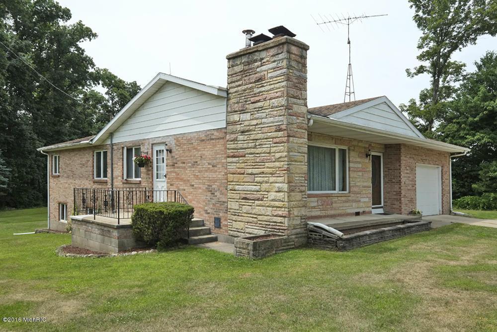 10779 Vidzeme Road, Three Rivers, MI 49093 (MLS #16034297) :: Matt Mulder Home Selling Team