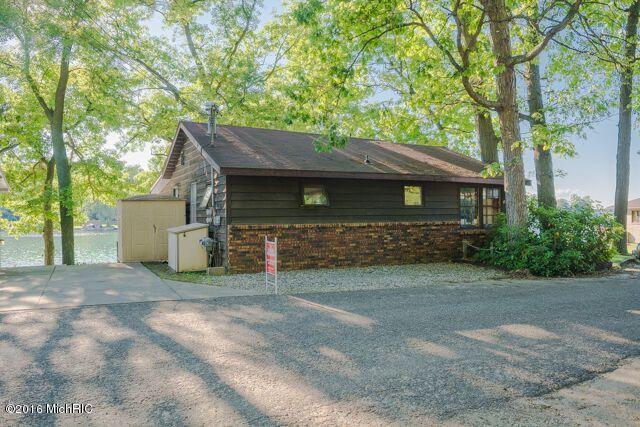 845 Fairview, Richland, MI 49083 (MLS #17028008) :: Matt Mulder Home Selling Team