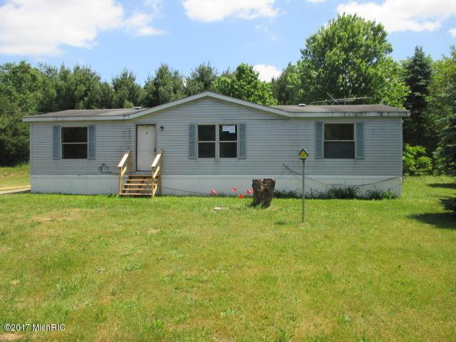 33501 Cr 669, Lawton, MI 49065 (MLS #17029396) :: Matt Mulder Home Selling Team