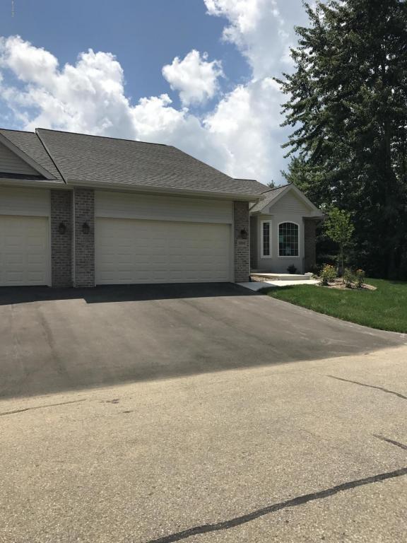 118 Round Hill Road #19, Kalamazoo, MI 49009 (MLS #17041601) :: Matt Mulder Home Selling Team