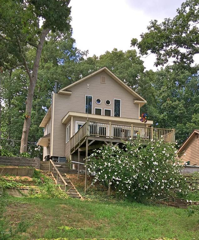 15089 N Barton Lake Drive, Vicksburg, MI 49097 (MLS #17041612) :: Matt Mulder Home Selling Team