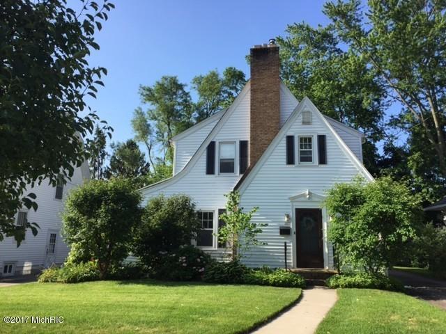 307 Edgemoor Avenue, Kalamazoo, MI 49001 (MLS #17048050) :: Carlson Realtors & Development