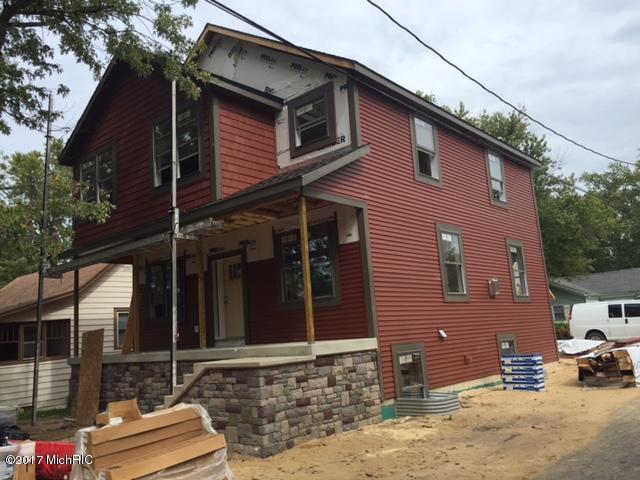 715 St Joseph, South Haven, MI 49090 (MLS #17048315) :: Carlson Realtors & Development