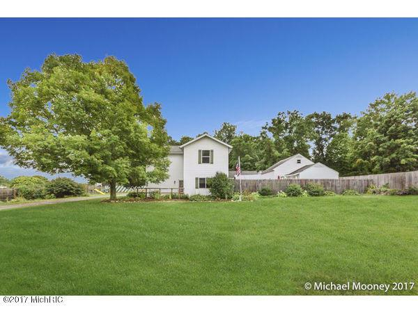 3963 Leland NE, Comstock Park, MI 49321 (MLS #17051813) :: Matt Mulder Home Selling Team