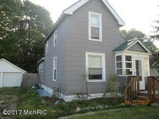 813 N Nottawa Street, Sturgis, MI 49091 (MLS #17052117) :: Deb Stevenson Group - Greenridge Realty