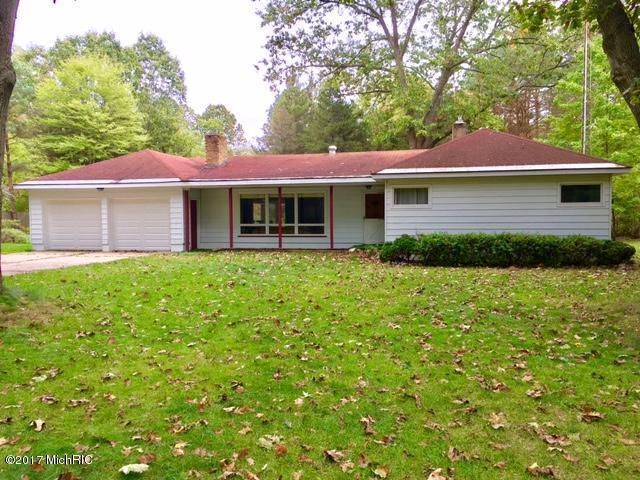 8810 Cedar Creek Drive, Holton, MI 49425 (MLS #17052523) :: Matt Mulder Home Selling Team