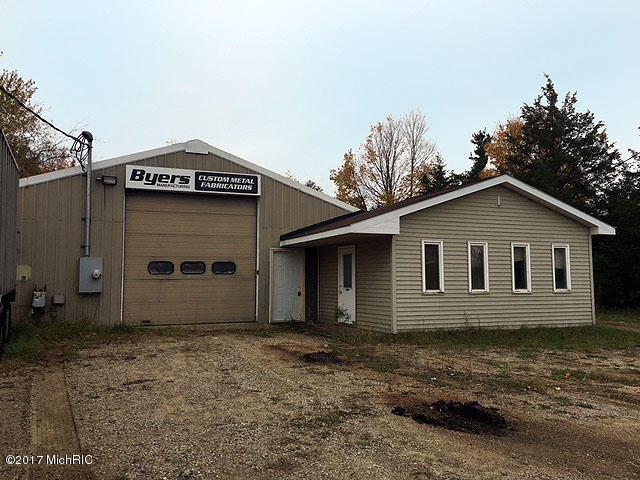 828 N Main Street, Lawton, MI 49065 (MLS #17056262) :: Matt Mulder Home Selling Team