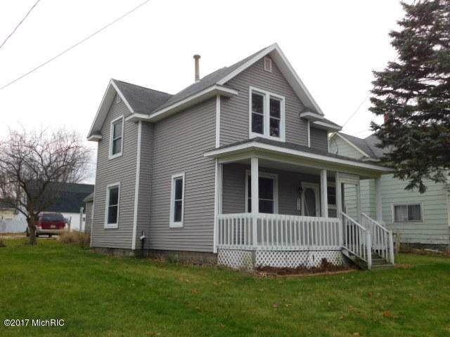 410 E State Street, Scottville, MI 49454 (MLS #17057193) :: Deb Stevenson Group - Greenridge Realty