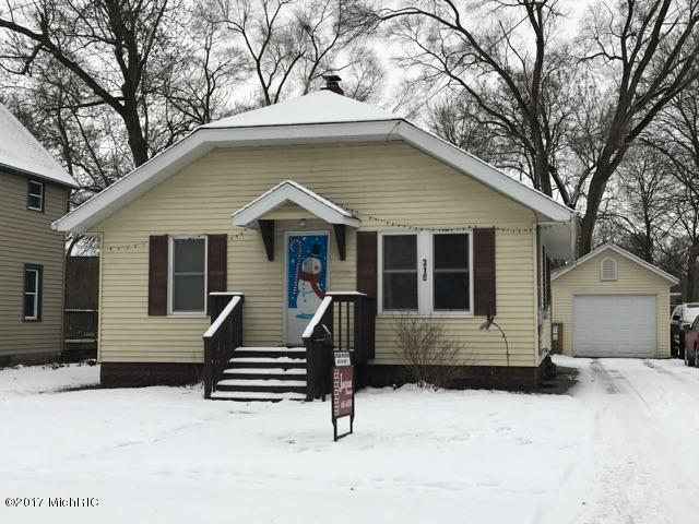 310 E Morrell Street, Otsego, MI 49078 (MLS #17058758) :: Matt Mulder Home Selling Team