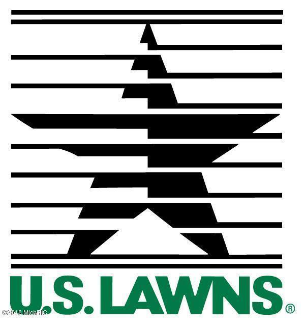 2103 E Palmer, Kalamazoo, MI 49001 (MLS #18003562) :: Carlson Realtors & Development