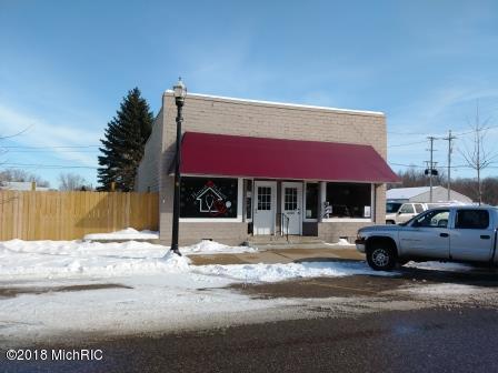 143 S Main Street, Scottville, MI 49454 (MLS #18005392) :: Deb Stevenson Group - Greenridge Realty