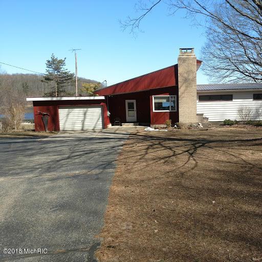 3532 N Ramshorn Drive, Fremont, MI 49412 (MLS #18011009) :: 42 North Realty Group