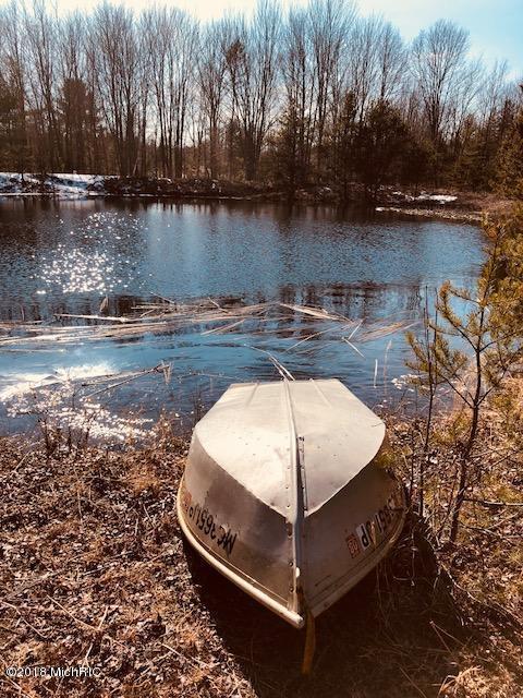1499 N Green Creek, Muskegon, MI 49445 (MLS #18011384) :: JH Realty Partners