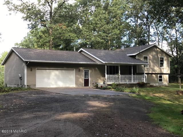 9717 Automobile Road, Whitehall, MI 49461 (MLS #18013442) :: JH Realty Partners