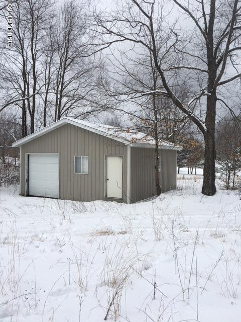 3761 E Kings Highway, Luther, MI 49656 (MLS #18013709) :: 42 North Realty Group