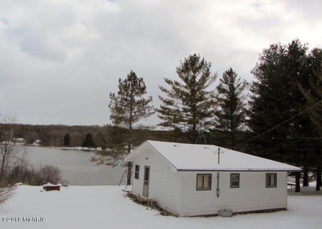 8197 Lake Lure Drive, Evart, MI 49631 (MLS #18014864) :: JH Realty Partners