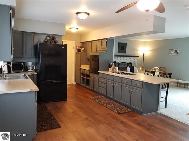 906 S Michigan Avenue, Manton, MI 49663 (MLS #18014926) :: JH Realty Partners