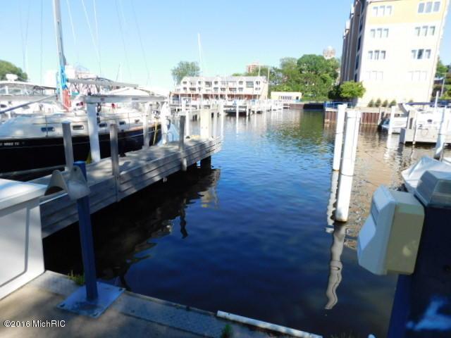 312 Water Street #9, St. Joseph, MI 49085 (MLS #18015006) :: JH Realty Partners