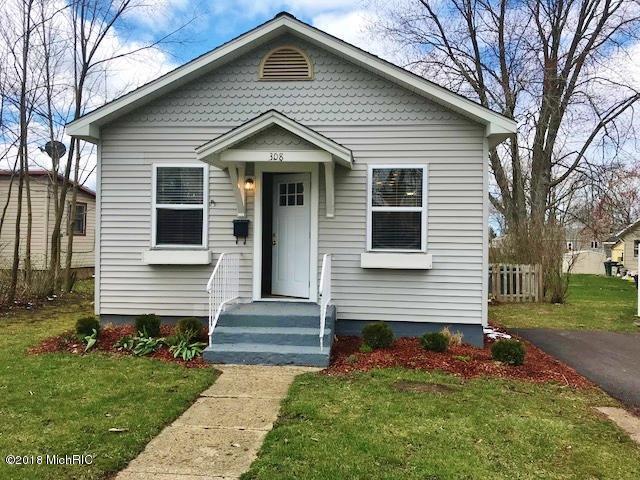 308 Sherwood Avenue, Three Oaks, MI 49128 (MLS #18015681) :: Carlson Realtors & Development