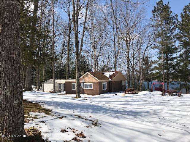 5361 N Benson Road, Fountain, MI 49410 (MLS #18015768) :: Deb Stevenson Group - Greenridge Realty
