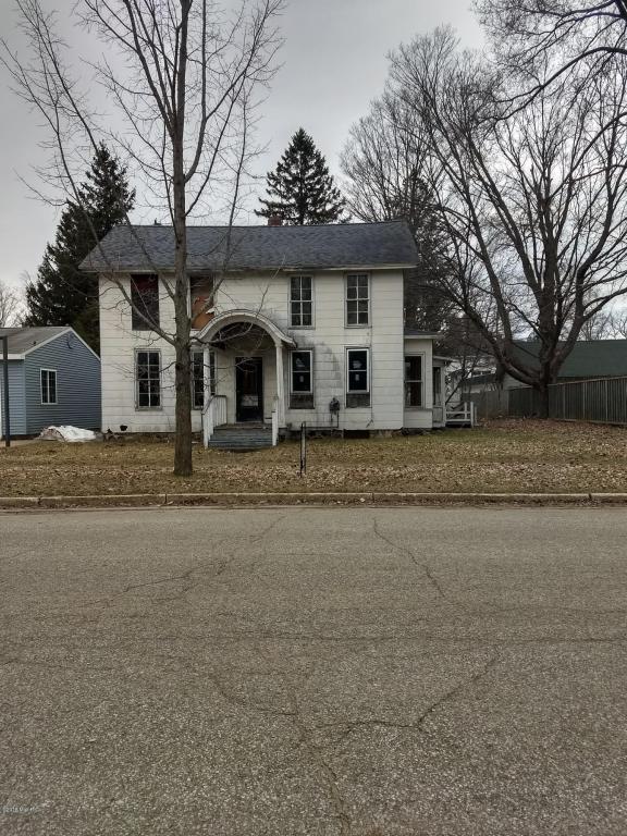430 N Pine Street, Evart, MI 49631 (MLS #18016584) :: Carlson Realtors & Development