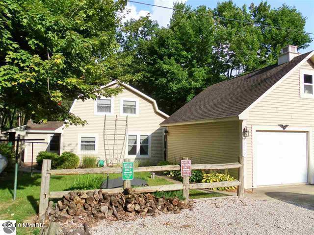 17742 Norway Pine Drive, Leroy, MI 49655 (MLS #18016617) :: Carlson Realtors & Development