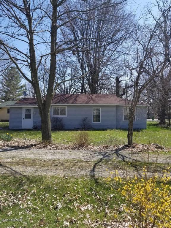 549 W Main Street, Centreville, MI 49032 (MLS #18017359) :: Deb Stevenson Group - Greenridge Realty