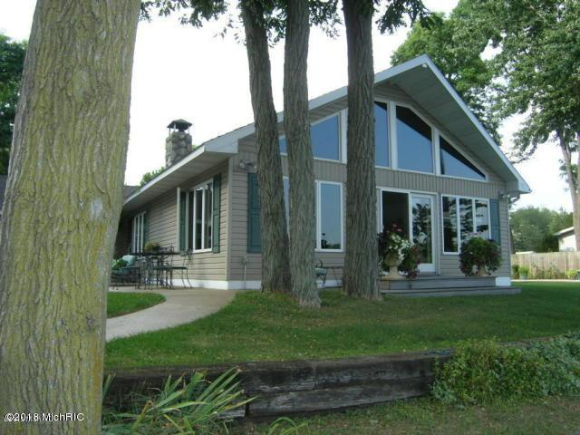 23143 River Run Road, Mendon, MI 49072 (MLS #18017976) :: Carlson Realtors & Development