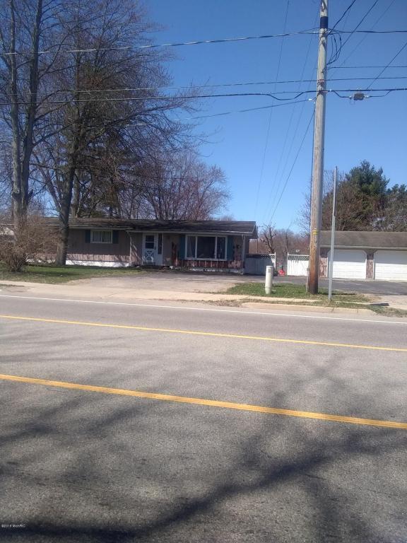 923 N Main Street, Watervliet, MI 49098 (MLS #18018781) :: Carlson Realtors & Development