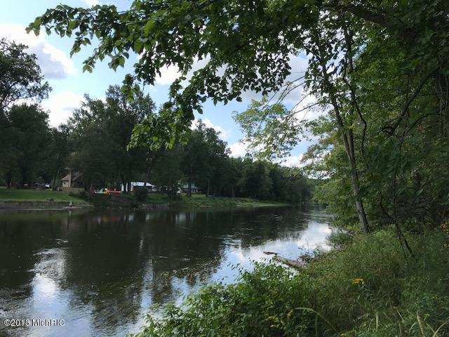 9800-A N River Drive, Newaygo, MI 49337 (MLS #18018898) :: Deb Stevenson Group - Greenridge Realty