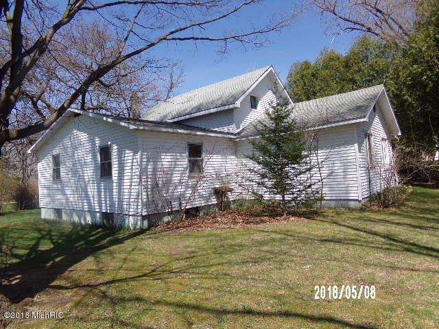 307 Maple Street, Leroy, MI 49655 (MLS #18019405) :: Deb Stevenson Group - Greenridge Realty