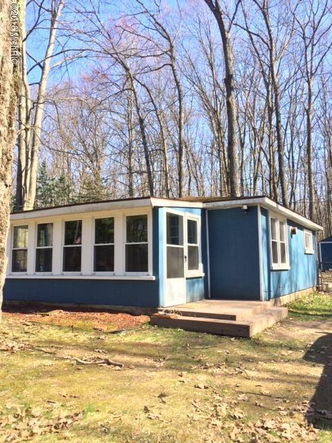 1711 Wolf Lake Drive Drive, Baldwin, MI 49304 (MLS #18019428) :: Carlson Realtors & Development