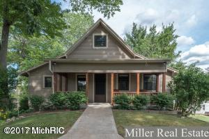 1100 Hillmer Street, Battle Creek, MI 49017 (MLS #18020048) :: Carlson Realtors & Development