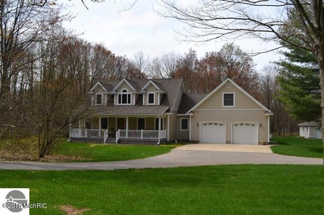 106 Cochrane Drive, Cadillac, MI 49601 (MLS #18021124) :: Carlson Realtors & Development