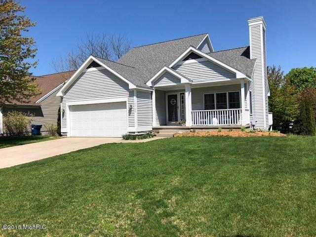 15745 Riverside Drive, Spring Lake, MI 49456 (MLS #18021142) :: Carlson Realtors & Development
