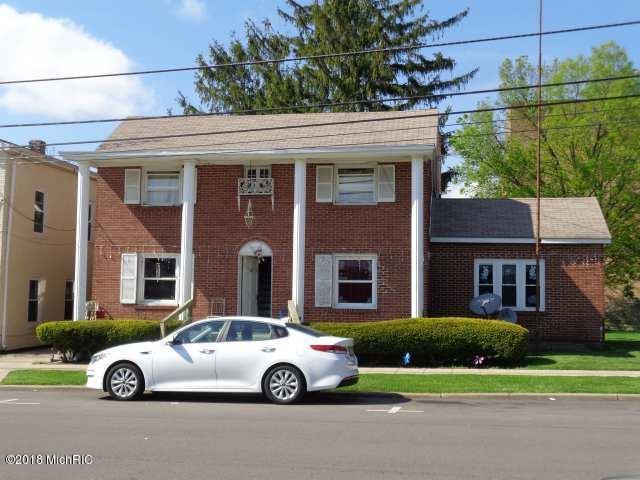 409 Cedar Street, Niles, MI 49120 (MLS #18021410) :: Deb Stevenson Group - Greenridge Realty